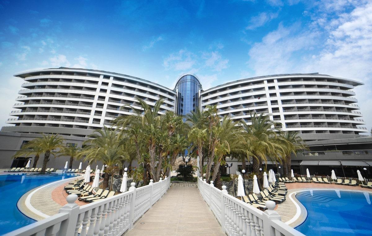 Letovanje_Turska_Hoteli_Avio_Antalija_Hotel_Royal_Wings_Lara-1.jpg