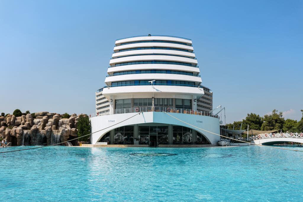 Letovanje_Turska_Hoteli_Avio_Antalija_Hotel_Titanic_Beach_Lara-3.jpg