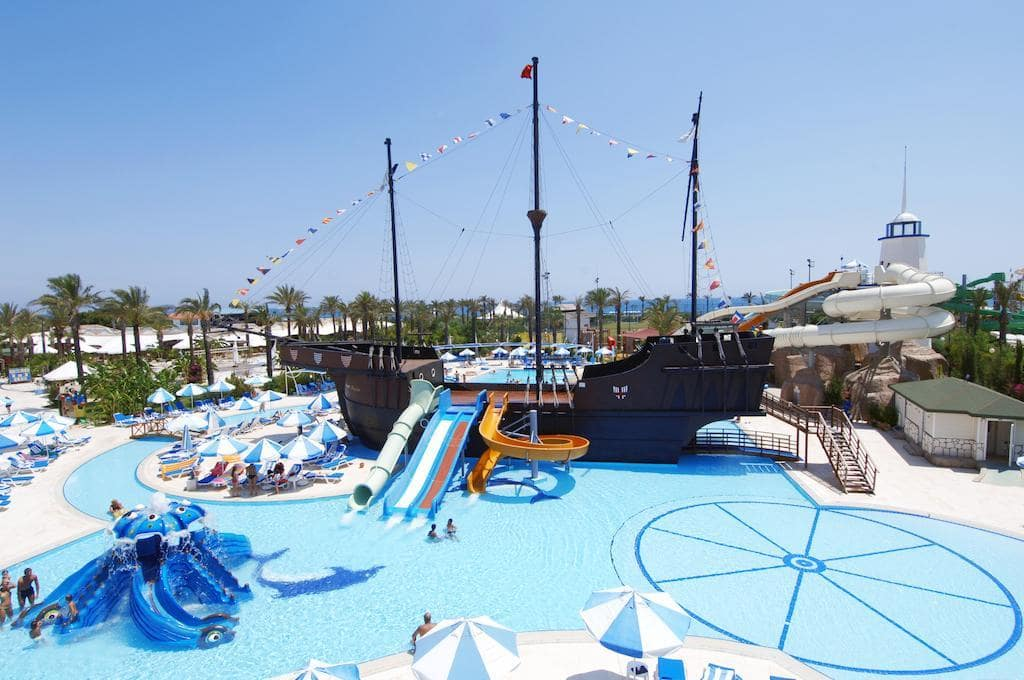 Letovanje_Turska_Hoteli_Avio_Antalija_Hotel_Titanic_Beach_Lara-4.jpg