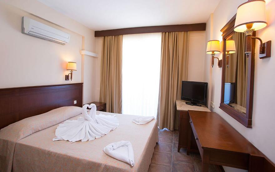 Letovanje_Turska_Hoteli_Avio_Fame_Hotel_Barcino_Tours-1.jpg