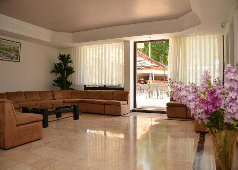Letovanje_Turska_Hoteli_Avio_Fame_Hotel_Barcino_Tours-2.jpg