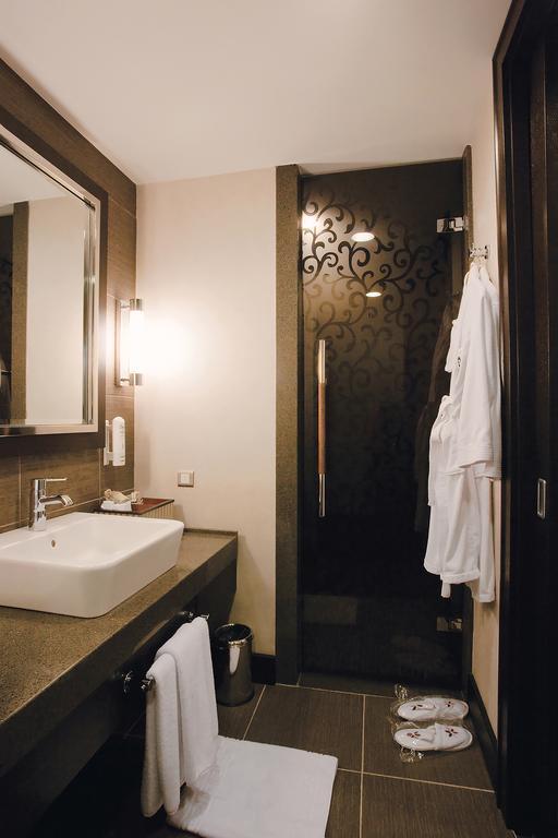 Letovanje_Turska_hoteli_Bekek_Corenelia_Diamond_Golf_Resort_and_Spa-1-2.jpg