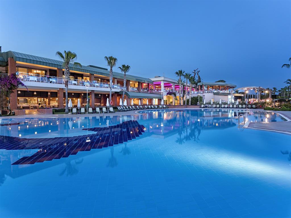 Letovanje_Turska_hoteli_Belek_Maritim_Pine_Beach_Resort-1.jpg