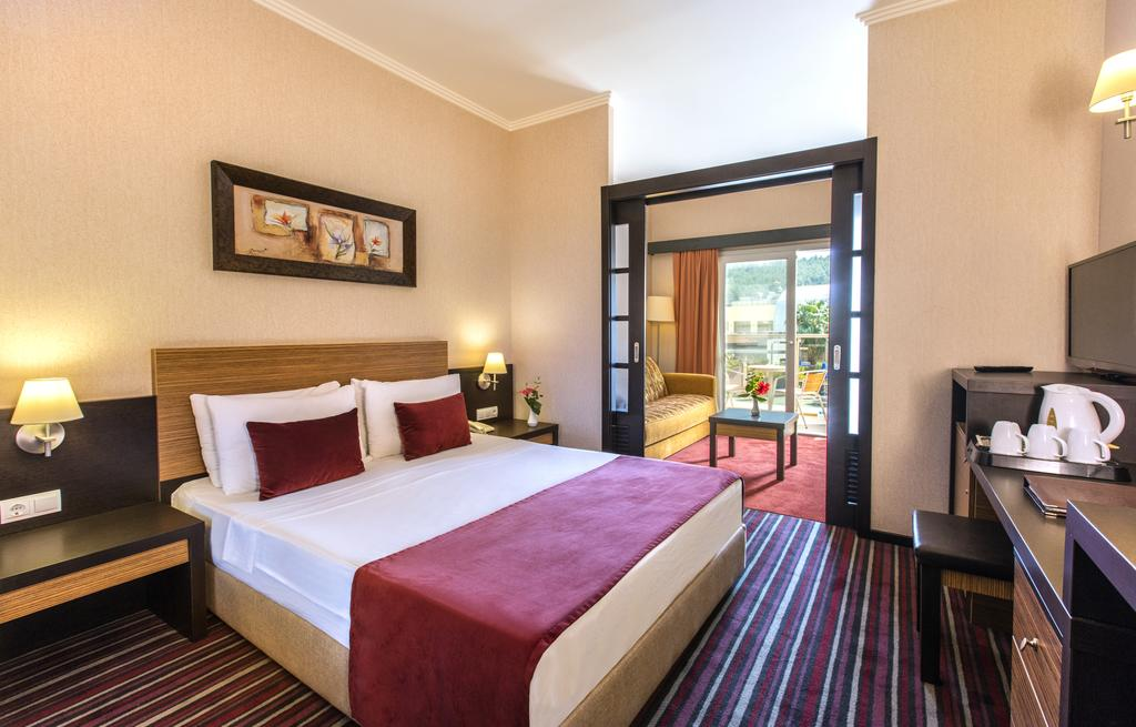 Letovanje_Turska_hoteli_Kusadasi_Aqua-Fantasy-Aqua-Park-hotel-and-Spa-1-2.jpg