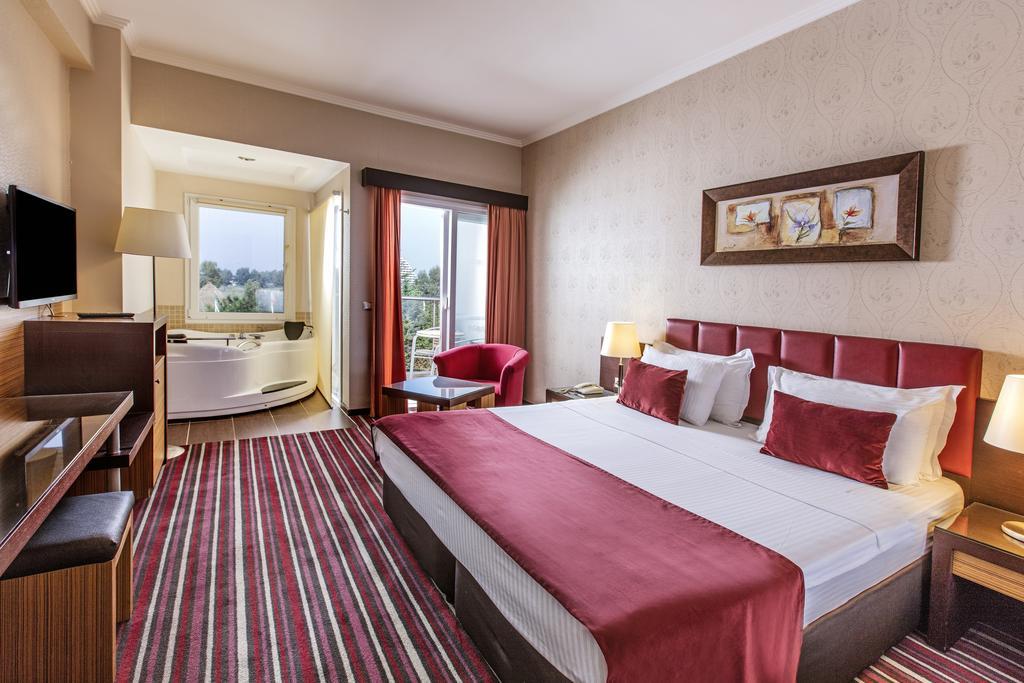 Letovanje_Turska_hoteli_Kusadasi_Aqua-Fantasy-Aqua-Park-hotel-and-Spa-2-2.jpg