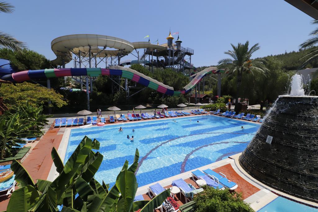 Letovanje_Turska_hoteli_Kusadasi_Aqua-Fantasy-Aqua-Park-hotel-and-Spa-8.jpg