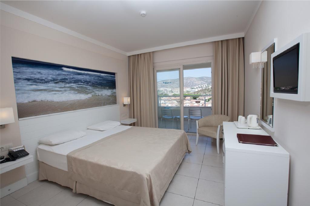 Letovanje_Turska_hoteli_Kusadasi_Hotel-Batihan-Beach-Resort-Spa-1-1.jpg