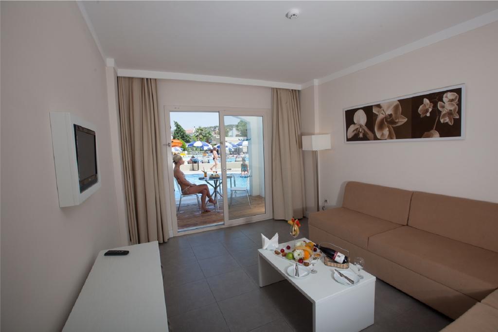 Letovanje_Turska_hoteli_Kusadasi_Hotel-Batihan-Beach-Resort-Spa-10.jpg