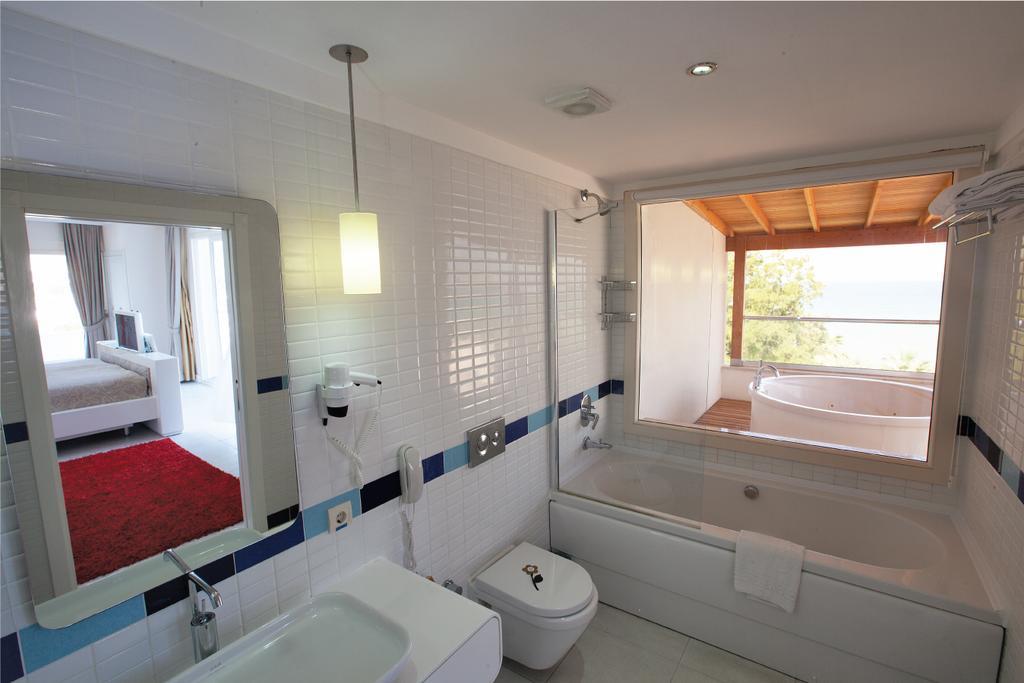 Letovanje_Turska_hoteli_Kusadasi_Hotel-Batihan-Beach-Resort-Spa.jpg