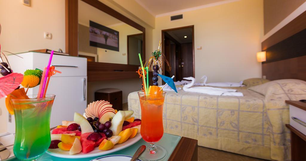 Letovanje_Turska_hoteli_Kusadasi_Hotel-Derici-1-2.jpg