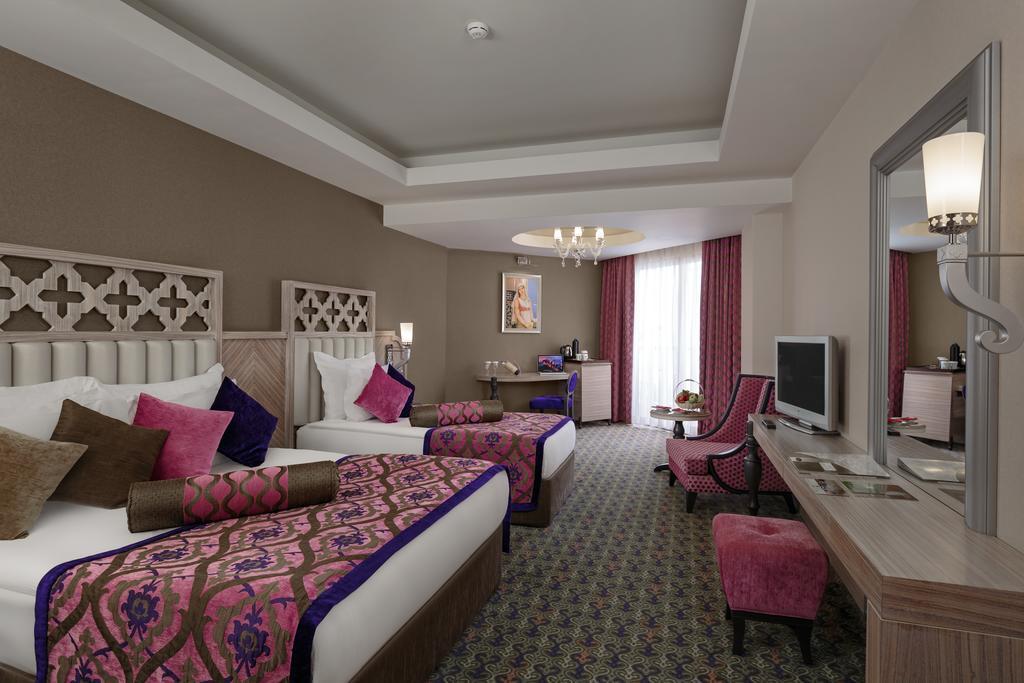 Letovanje_turska_hoteli_Royal_Alhambra_Palace-3-1.jpg