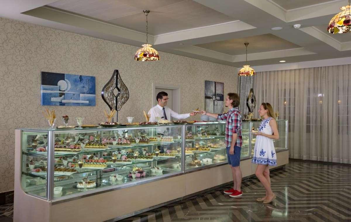 Letovanje_turska_hoteli_Royal_Alhambra_Palace-4.jpg