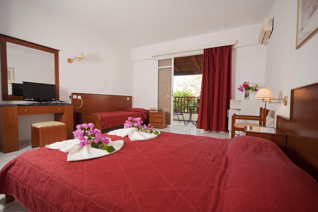 STANDART-DOUBLE-ROOM-WITH-EXTRA-BED-2-min.jpg