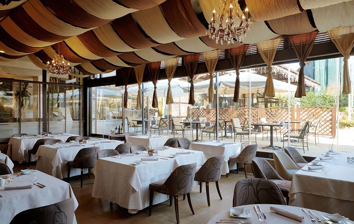 Zimovanje_Bugarska_Bansko_Hotel-Premier_Luxury_Mountain_Resort_Barcino_Tours-50.jpg